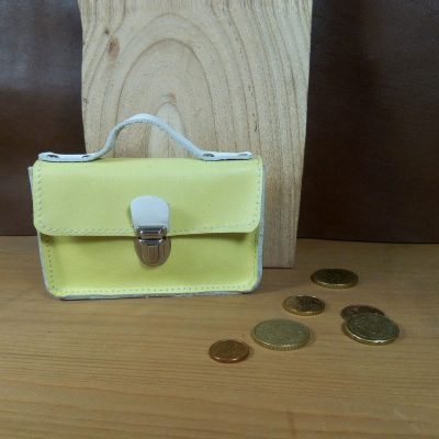 Porte monnaie cuir vintage jaune