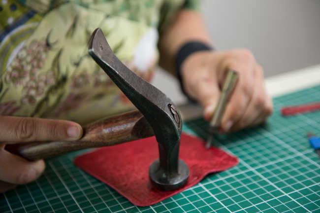 Marteau pour réparation cuir