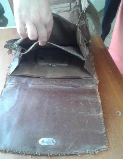 Démontage d'un sac en croco des années 40