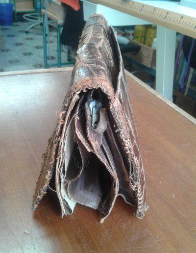 Restauration d'un sac à main en croco