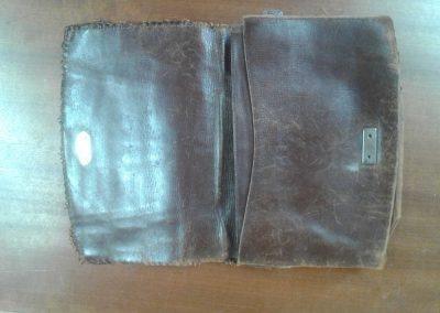 Intérieur d'un sac à main de luxe en réparation