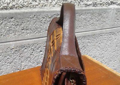 Poignée refaite sur sac à main en croco