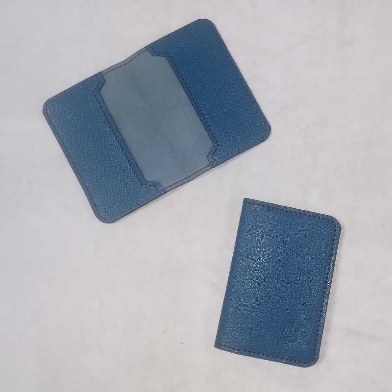Porte carte bleu grainé