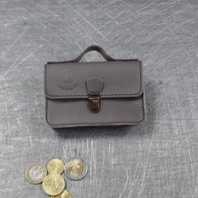 Porte monnaie cartable en cuir taupe marron