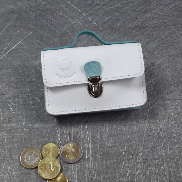 Porte monnaie cartable en cuir bicolore blanc galuchat bleu ciel