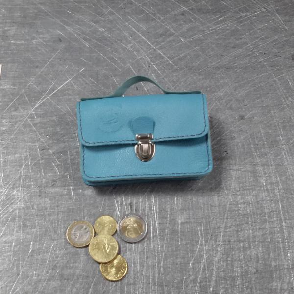 Porte monnaie cartable en cuir bleu ciel 61