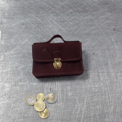 Porte monnaie cartable en cuir nubuck acajou marron clair