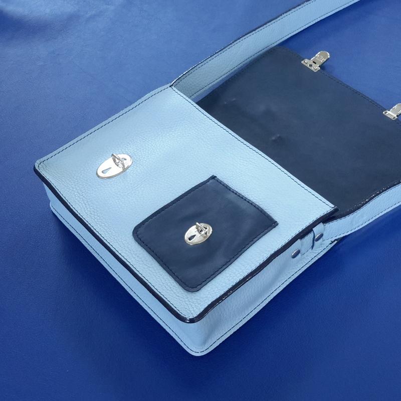Décalé sac à main cuir bleu ciel et bleu marine interieur