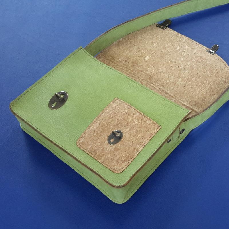 Décalé sac à main cuir vert et liege interieur