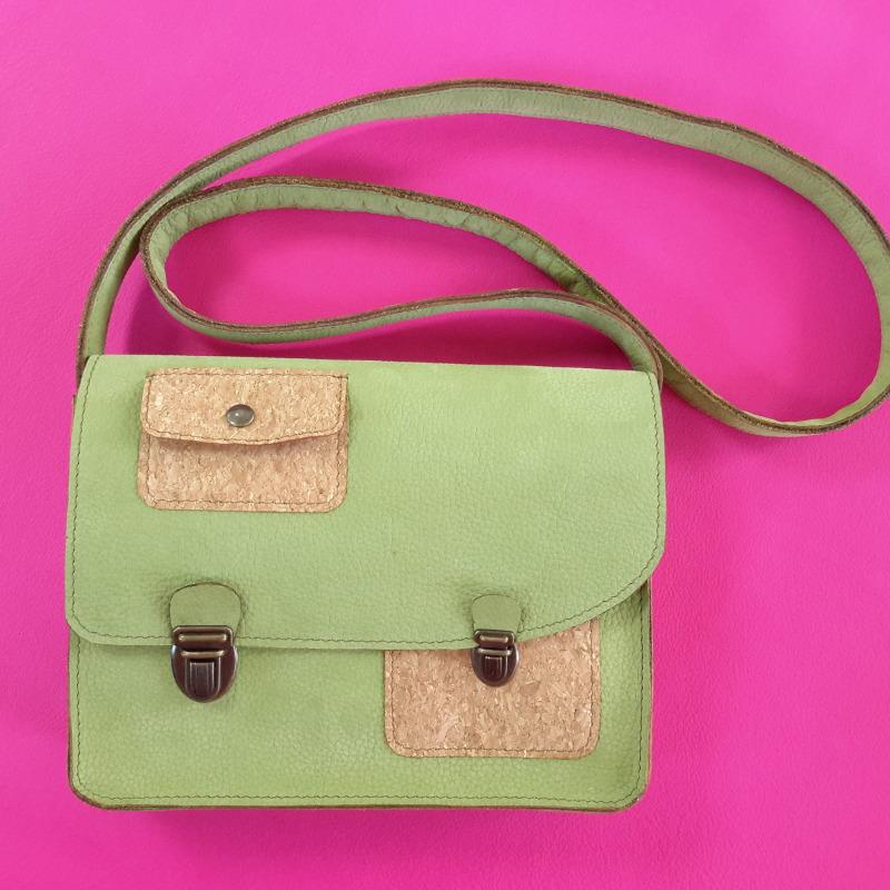 Décalé sac à main cuir vert et liege