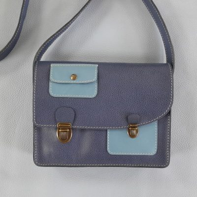 Décalé sac à main cuir bicolore bleu ciel