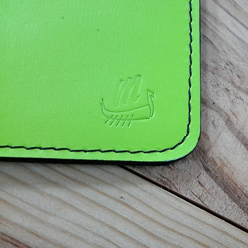 Protege passeport et carte cuir vert fluo drakkar viking
