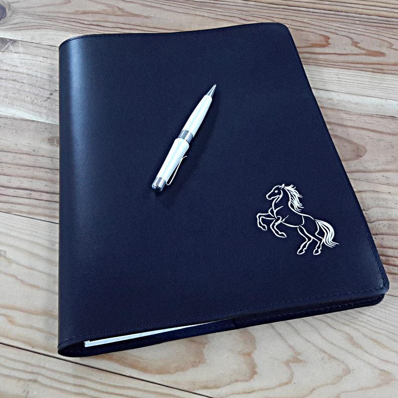 Protege cahier haut de gamme en cuir bleu marine et cheval