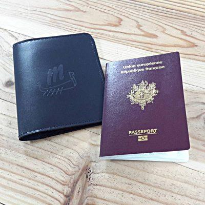 Protege passeport cuir bleu marine marquage grand drakkar