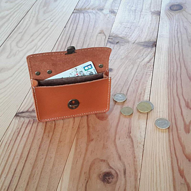 Petit Cotentin Porte monnaie cartable en cuir made in France intérieur